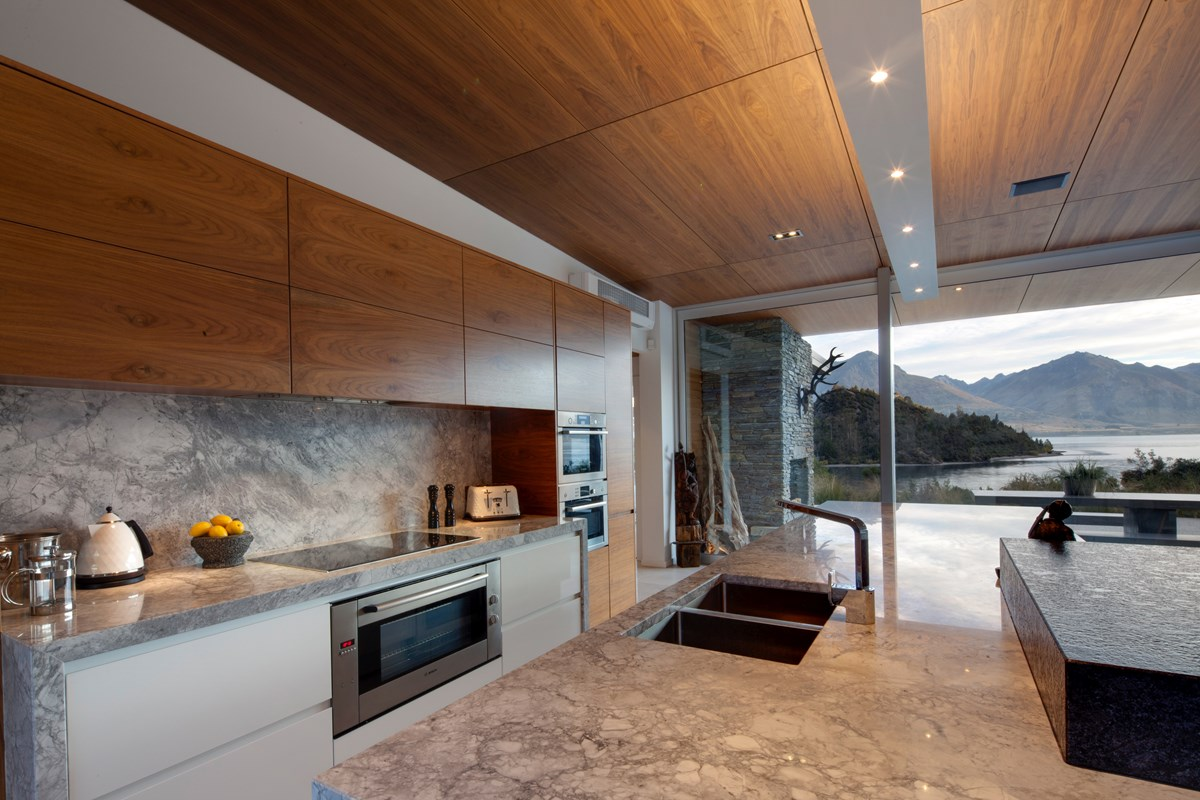 BW Walnut Veneer CC kitchen wide Fathippo