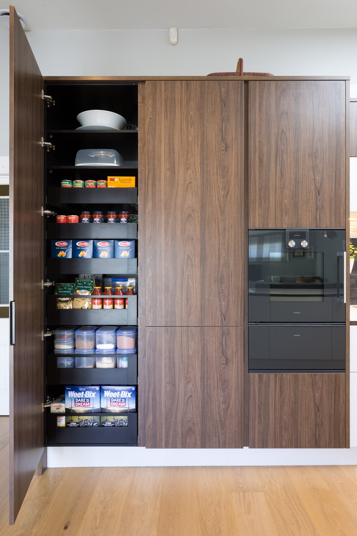 Tasman Elm, Mathew Coles, Royale Kitchens pantry